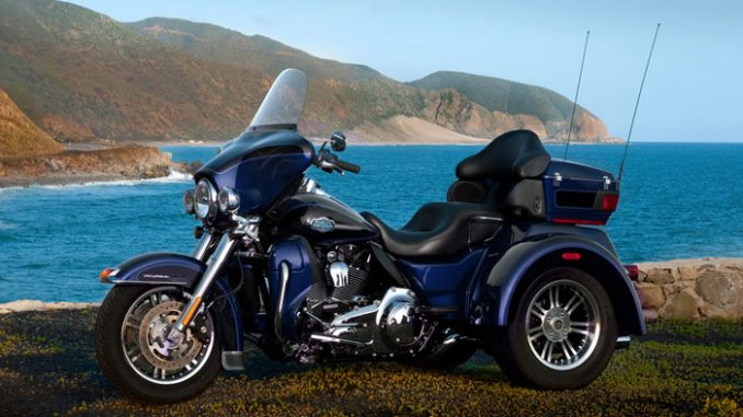 Harley Davidson: 2013 Harley-Davidson FLHTCUTG Tri Glide Ultra Classic Review