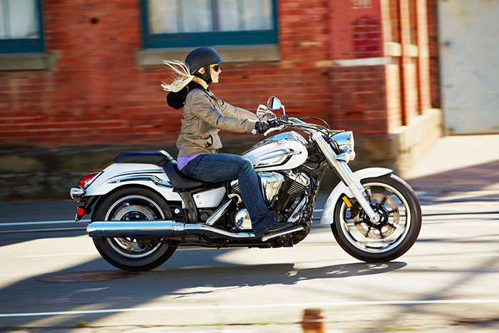 2014 Yamaha V Star 950 Review
