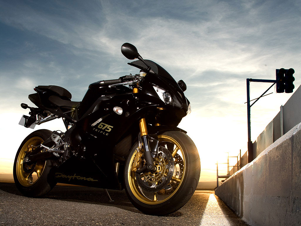 2009 Triumph Daytona 675 SE Wallpaper