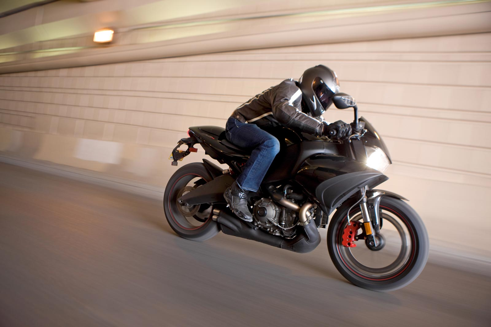 2009 Buell 1125CR Action