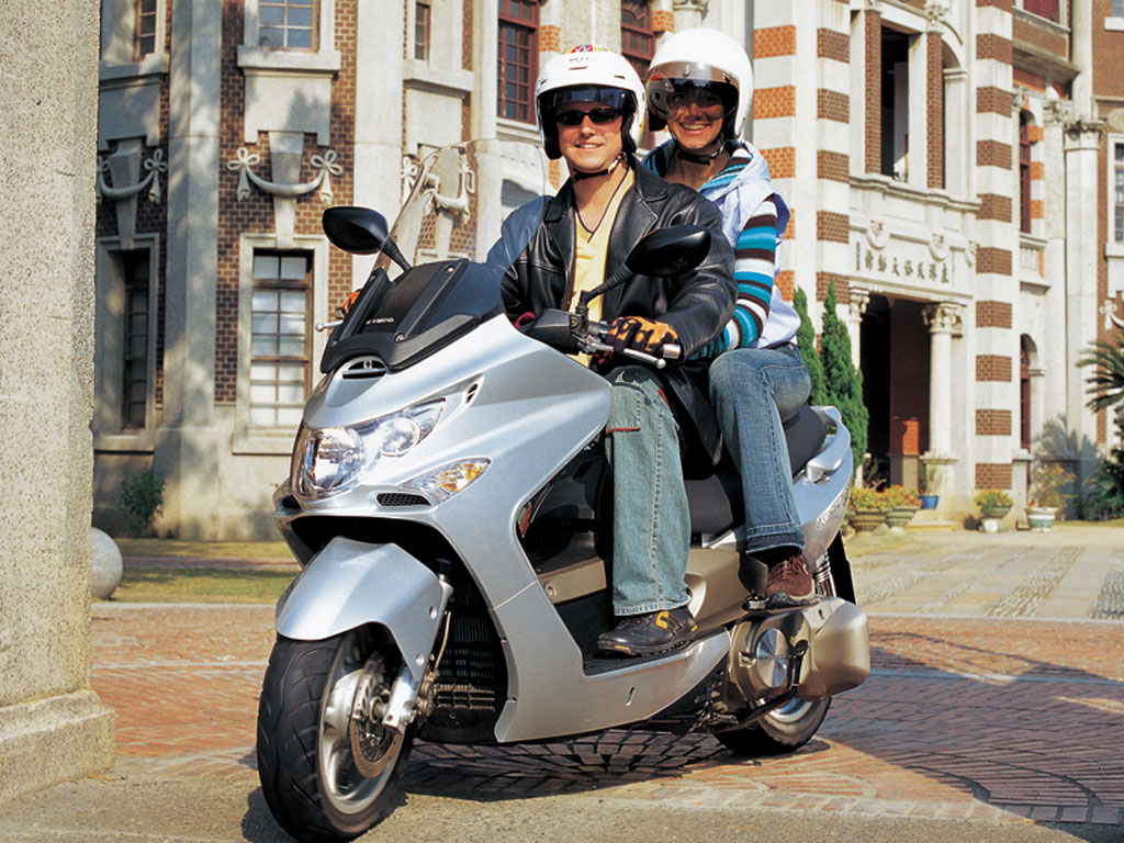 2009 Kymco Xciting 500 Ri Wallpaper