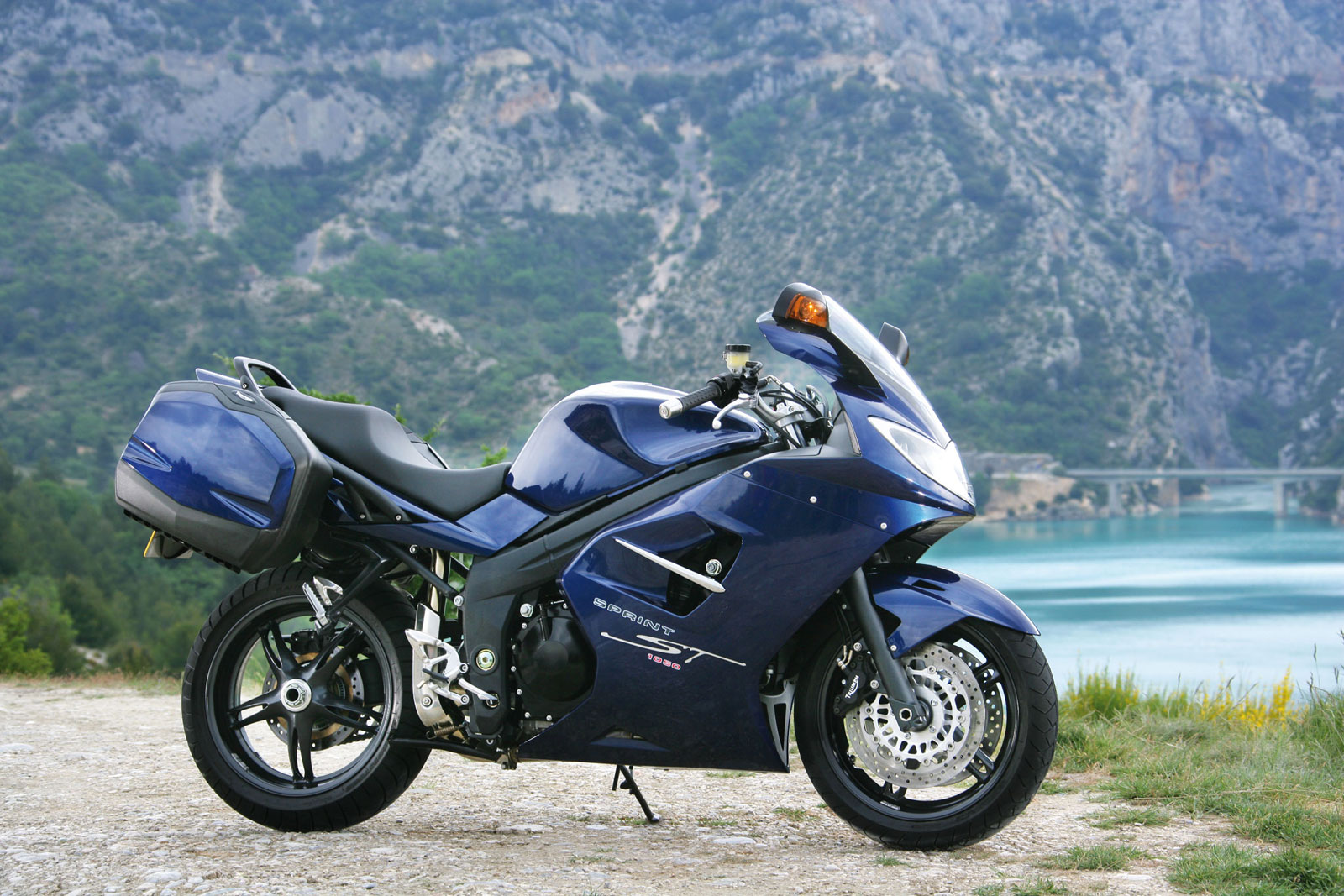 2009 Triumph Sprint ST 1050 Wallpapers Free Wallpapers