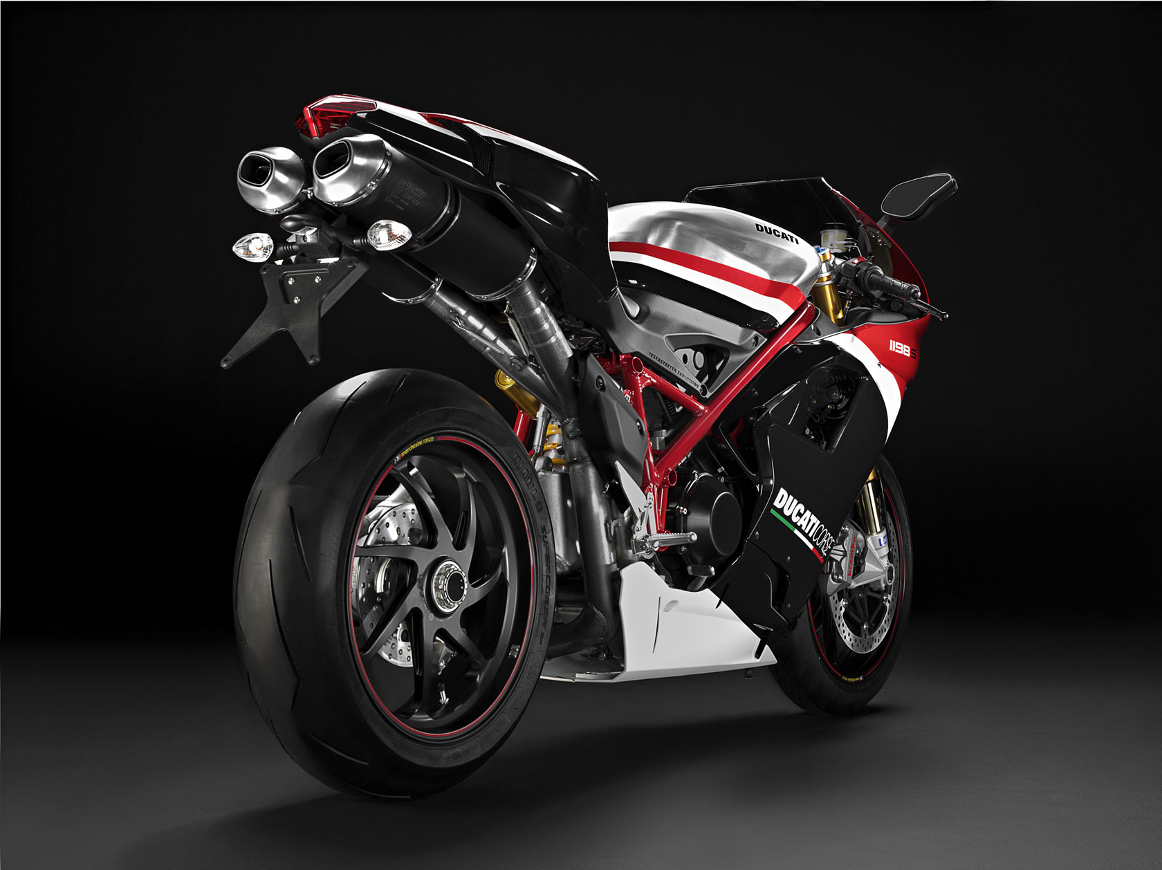 Video: mission electric superbike declares war on ducati panigale.