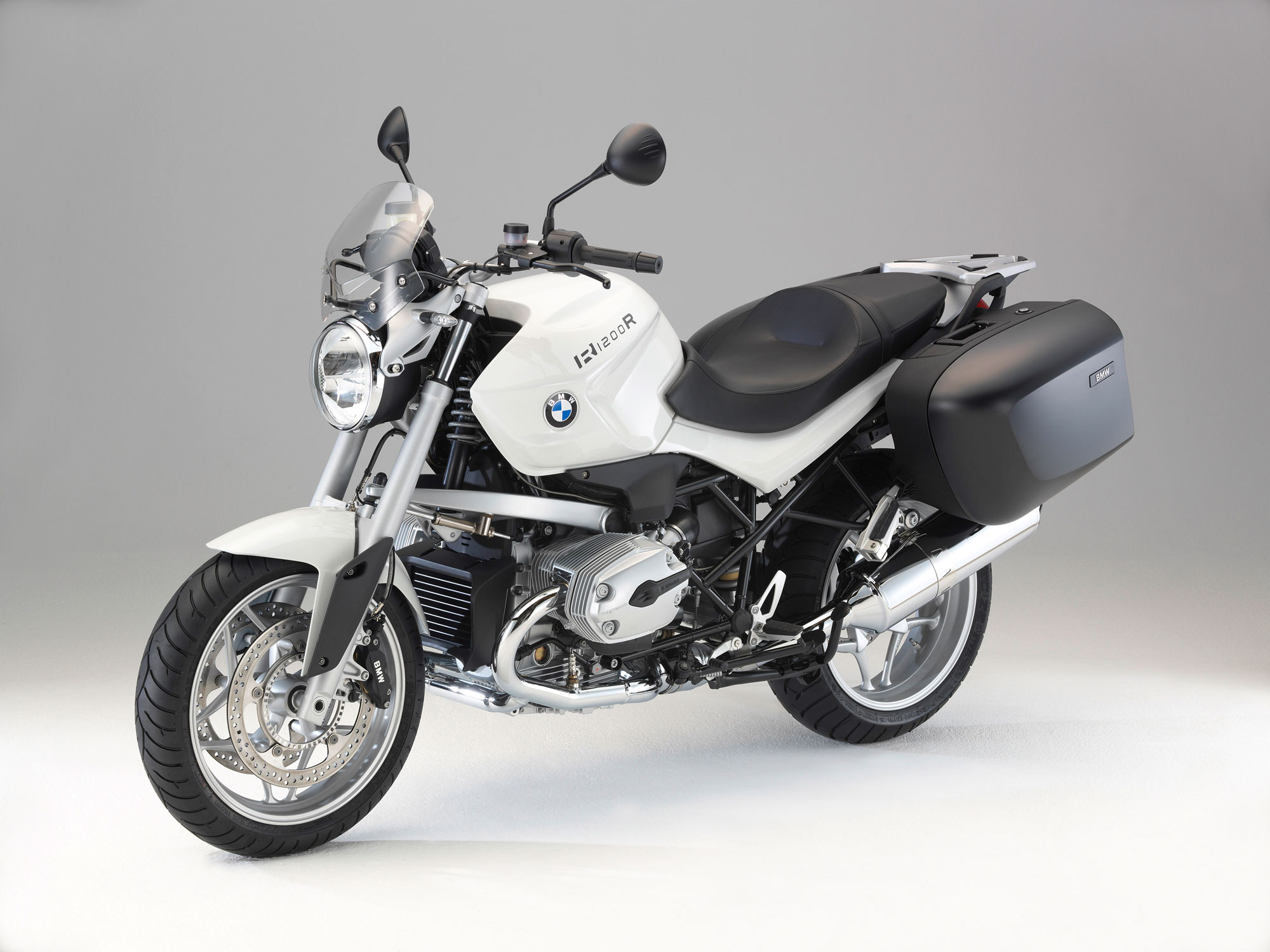 INTERMOT: BMW R 1200 R Roadster, R 1200 RS Sport-Tourer and new S ...