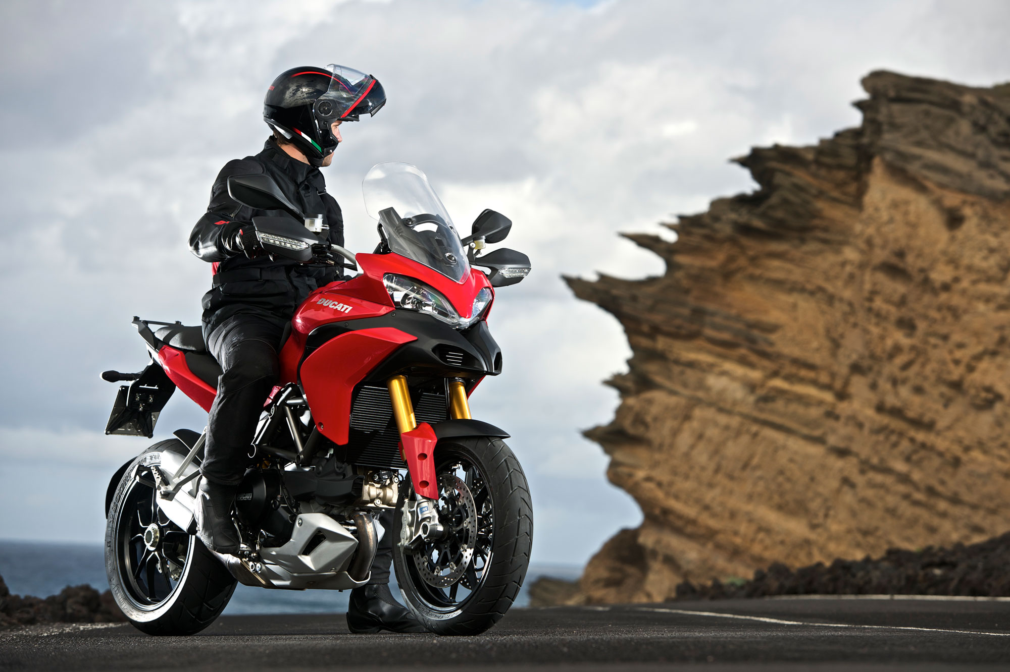 2012 ducati multistrada 1200 s touring photos, informations.