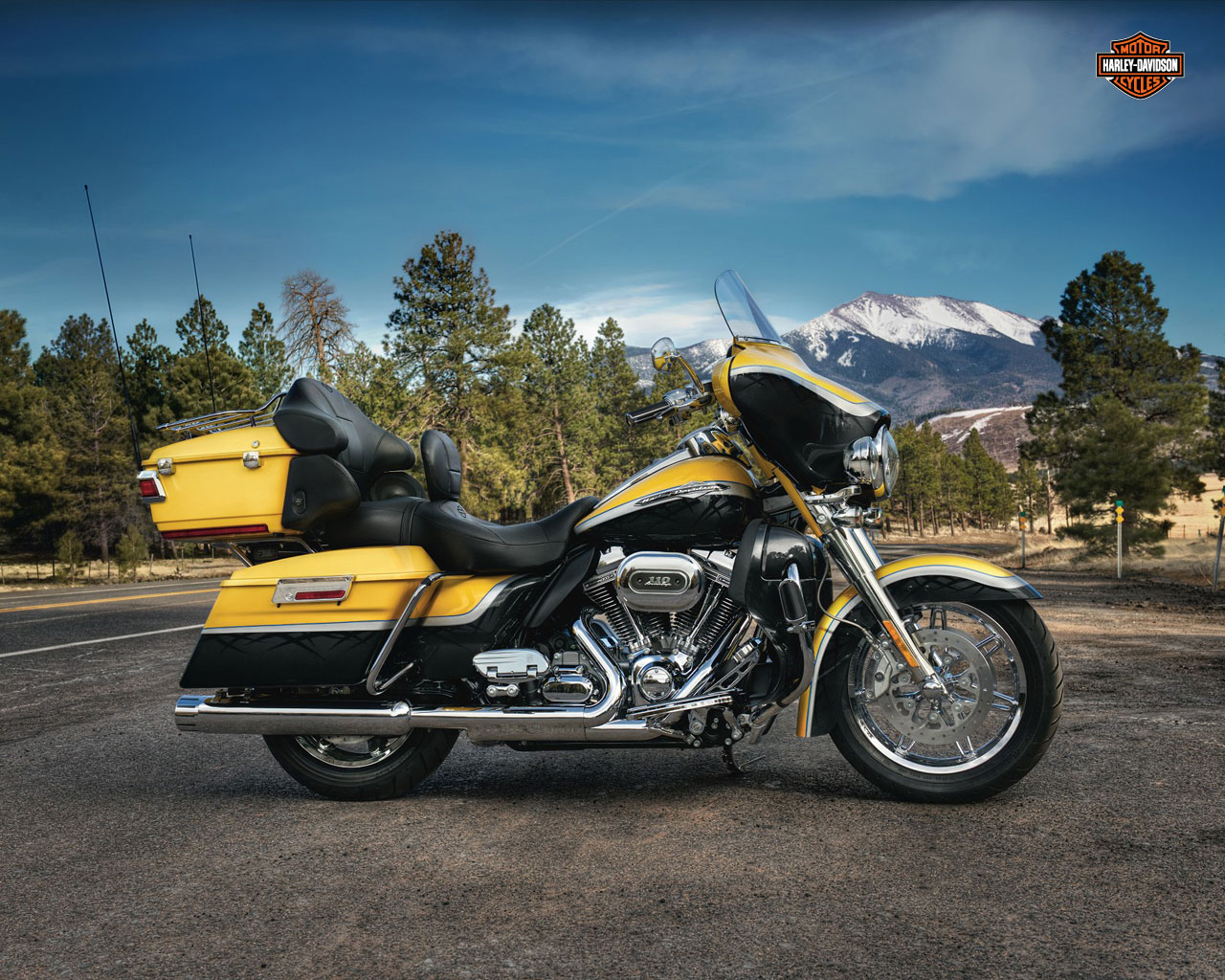 2012 harley davidson flhtcuse7 cvo ultra classic electra glide review. Black Bedroom Furniture Sets. Home Design Ideas