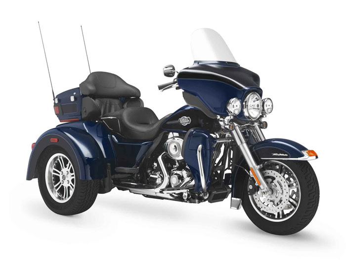2012 Harley-Davidson FLHTCUTG Tri Glide Ultra Classic Review