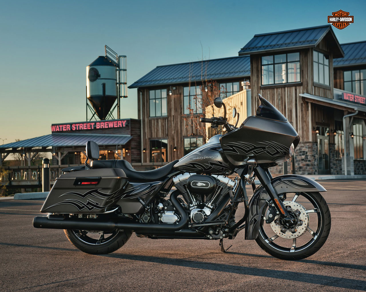 Harley Davidson Road Glide Wallpaper