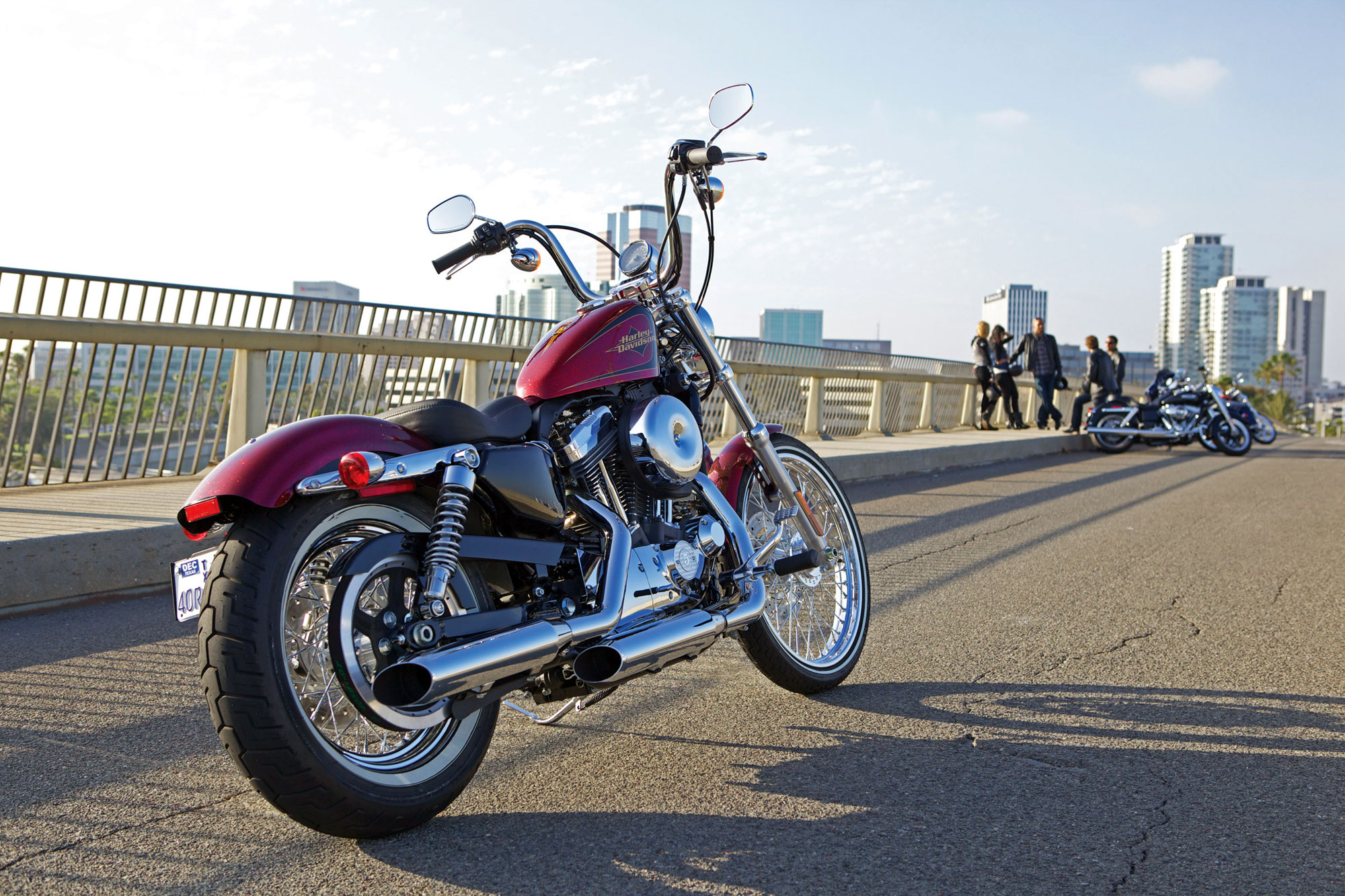 Harley Davidson: 2012 Harley-Davidson XL1200V Seventy-Two Review