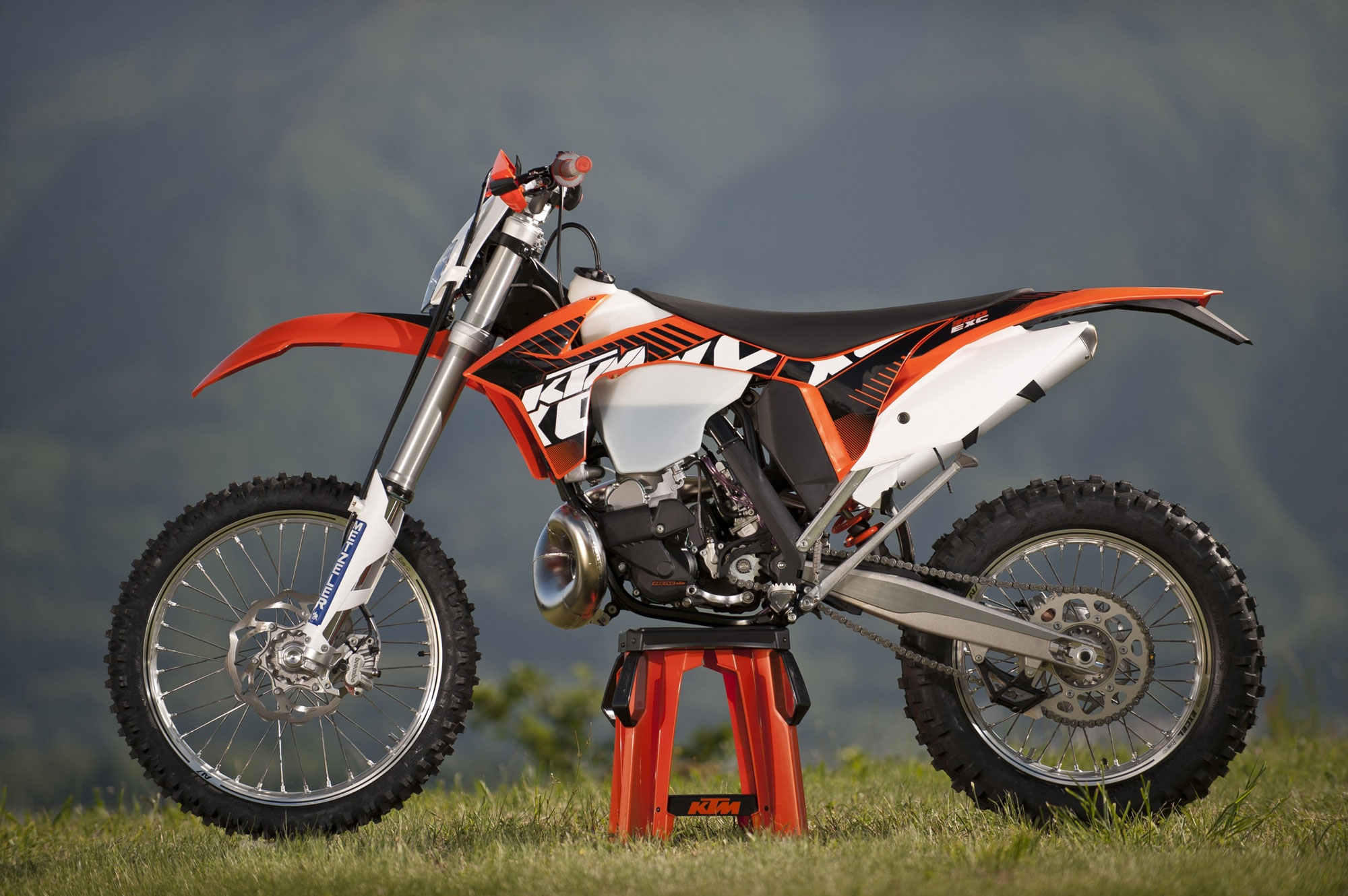 2012 ktm 300 exc review. Black Bedroom Furniture Sets. Home Design Ideas