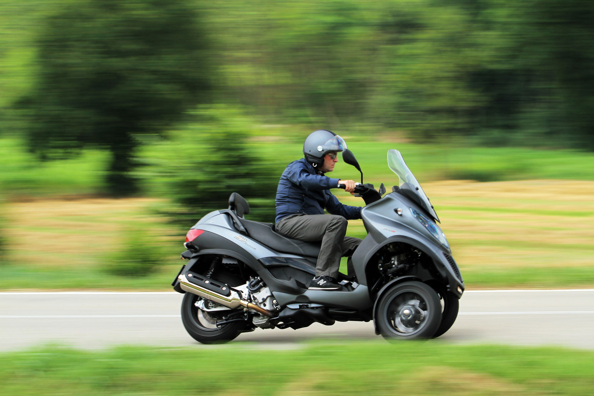 2012 piaggio mp3 touring 500 i e sport review. Black Bedroom Furniture Sets. Home Design Ideas