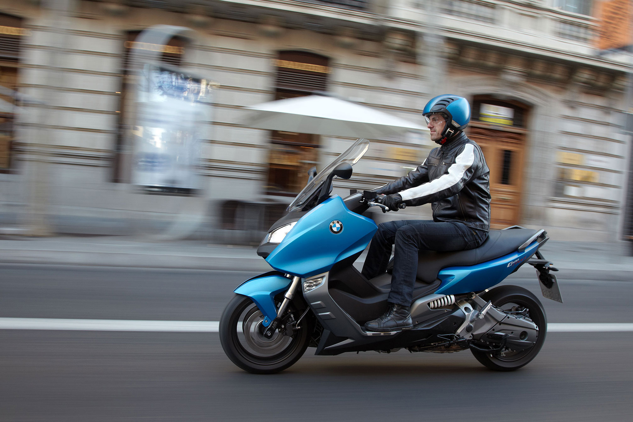 Wondrous 2013 Bmw C600 Sport Review Gmtry Best Dining Table And Chair Ideas Images Gmtryco