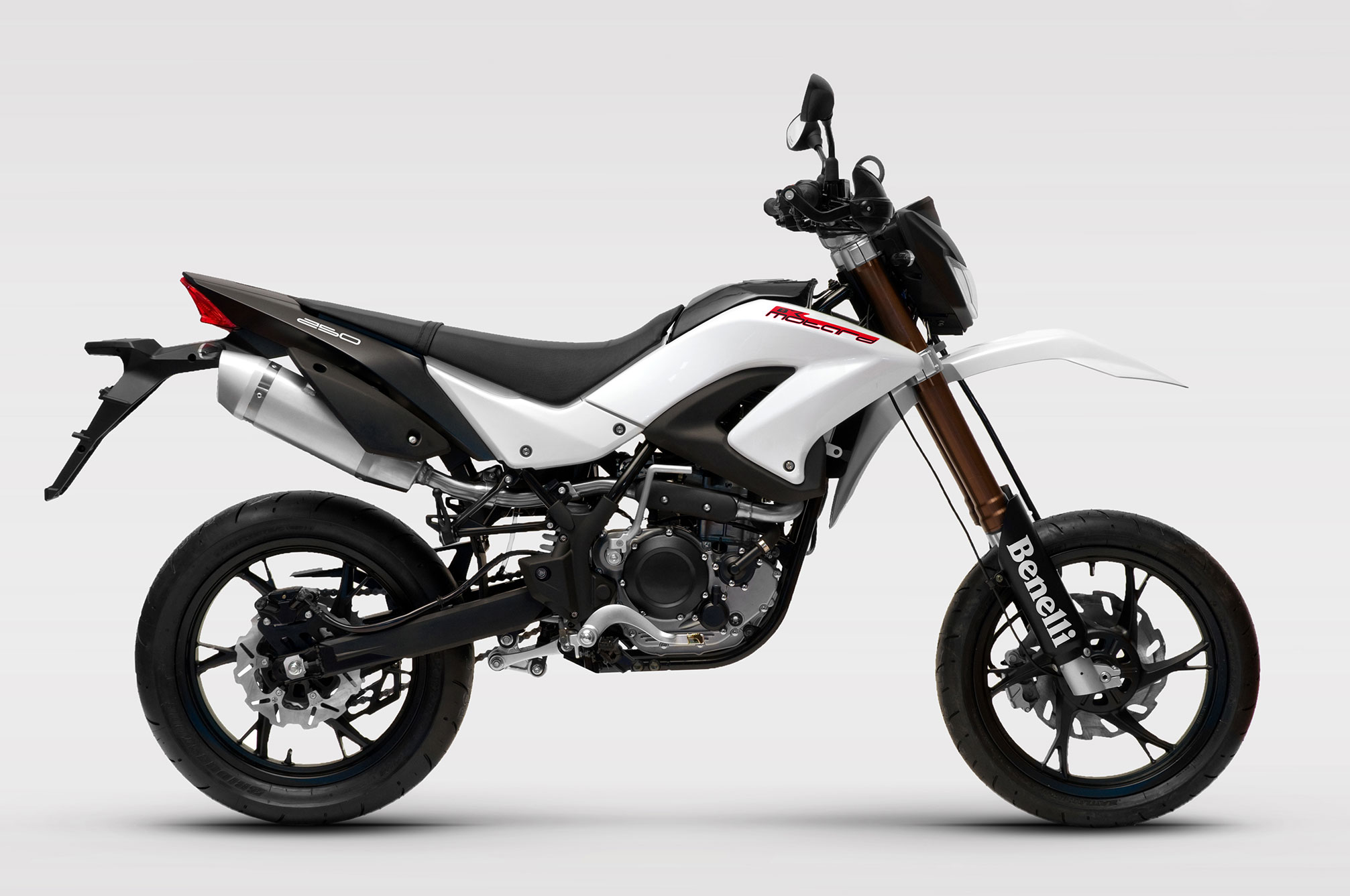 2013 Benelli Motard 250 Review