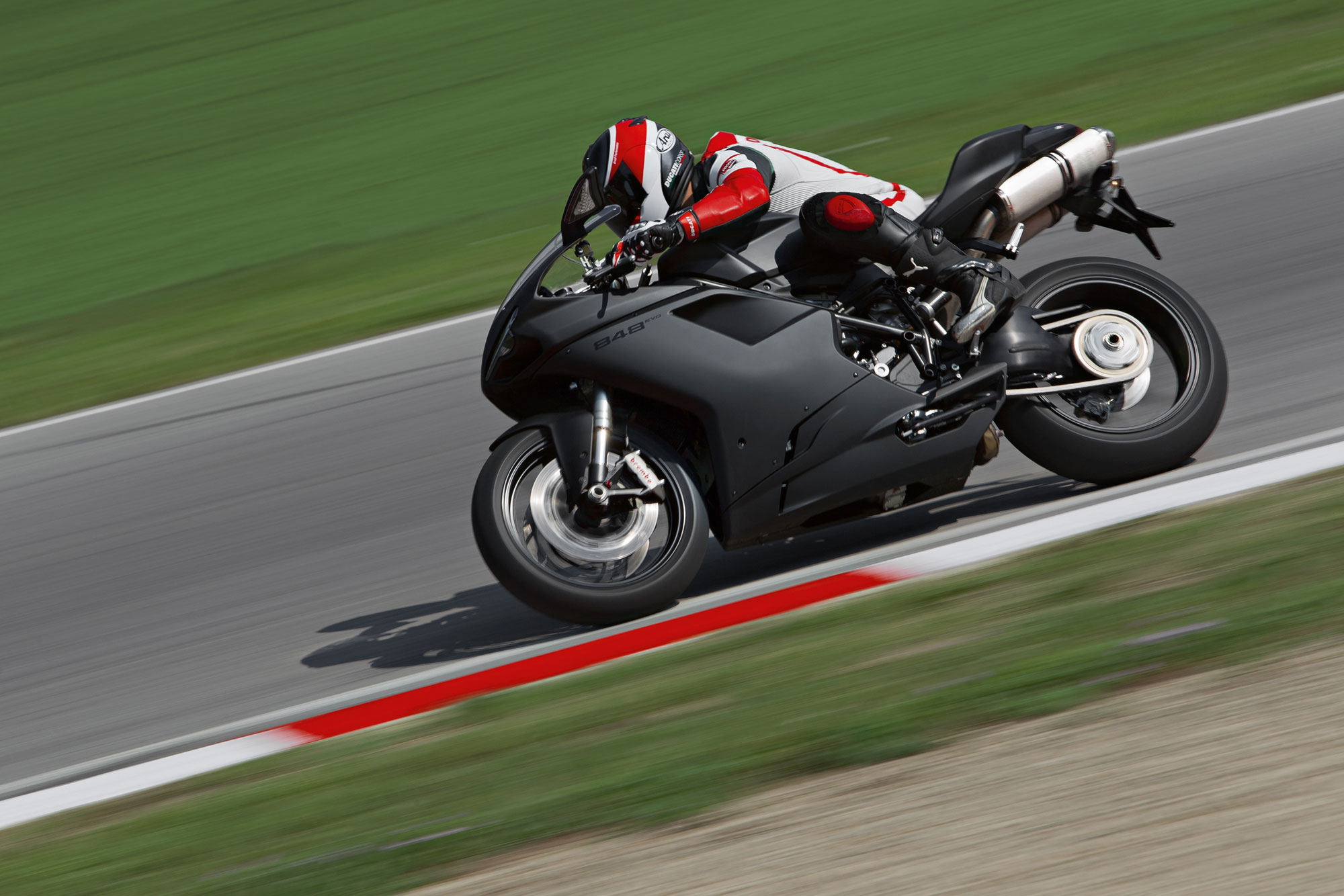 2013 Ducati Superbike 848 EVO Dark Review