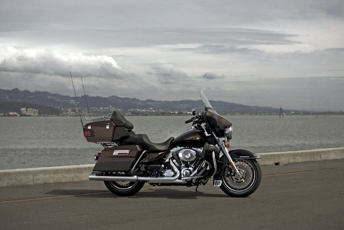 2013 Harley-Davidson FLHTK Electra Glide Ultra Limited 110th Anniversary