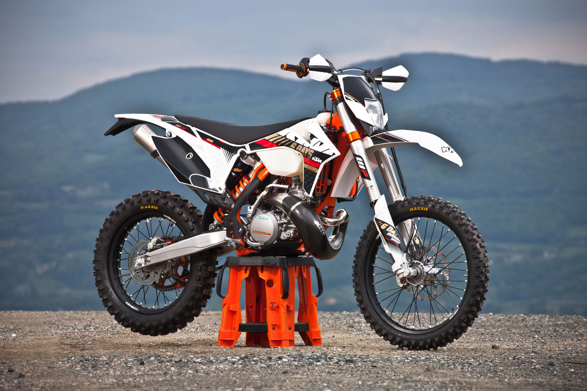 Ktm  Six Days Review