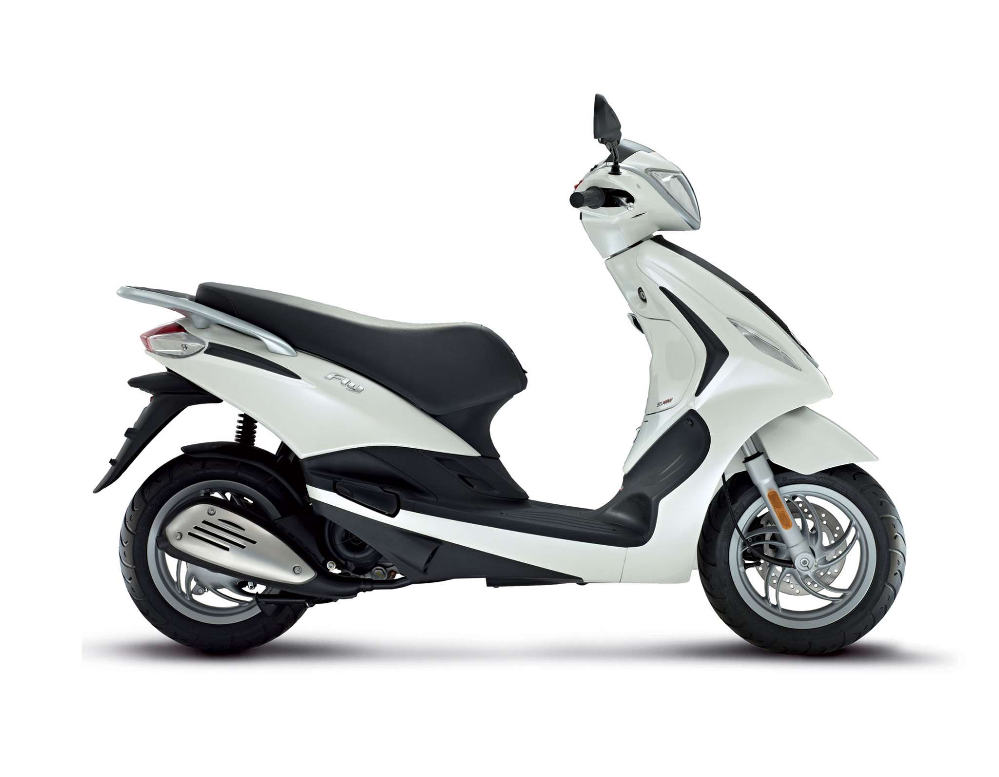 2014 piaggio fly 150 review