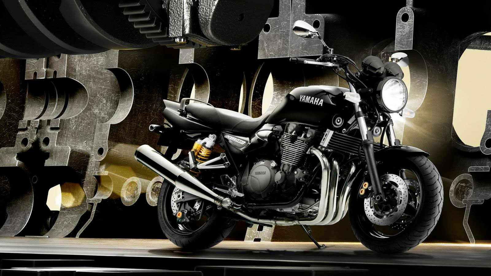 2013 Yamaha Xjr1300 Review