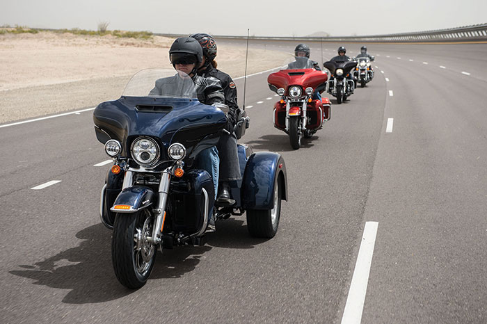 2014 Harley Davidson Flhtcutg Tri Glide Ultra Classic Review