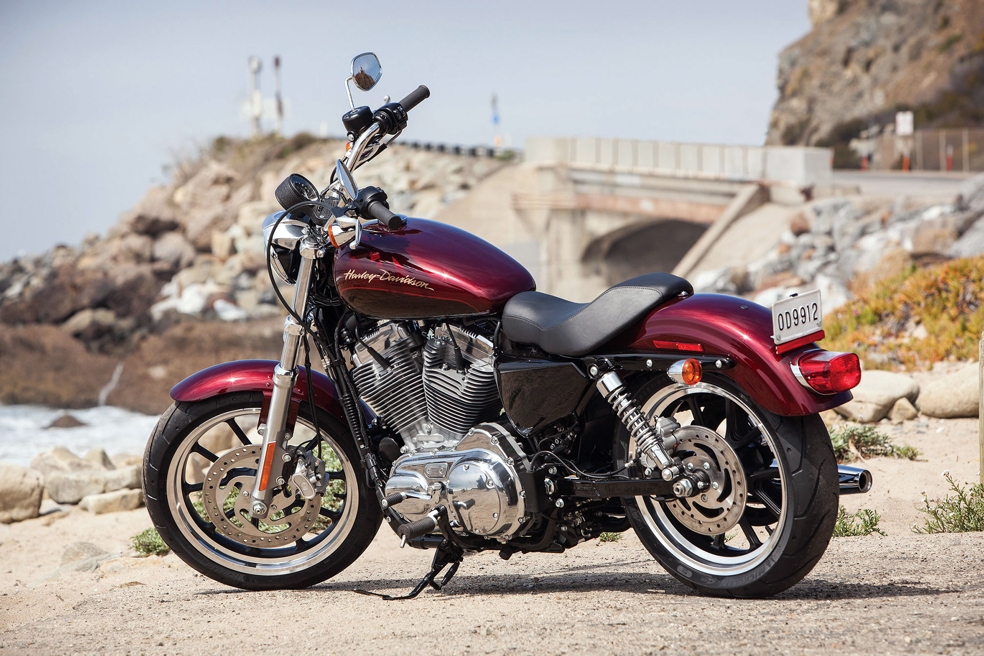 2014 harley davidson xl883l superlow review. Black Bedroom Furniture Sets. Home Design Ideas
