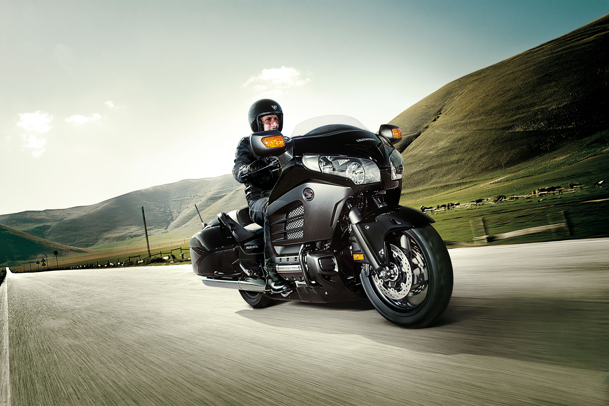 2014 Honda Gold Wing F6B Deluxe GL1800BD Review