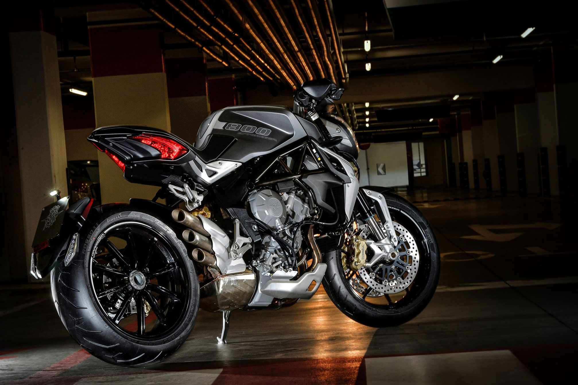 2014 MV Agusta Brutale 800 Dragster Review