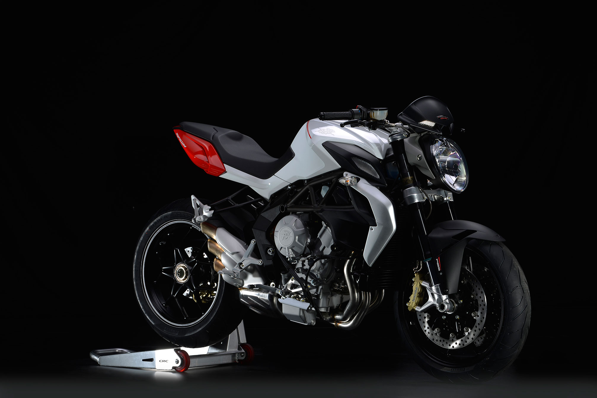 2014 mv agusta brutale 800 review. Black Bedroom Furniture Sets. Home Design Ideas