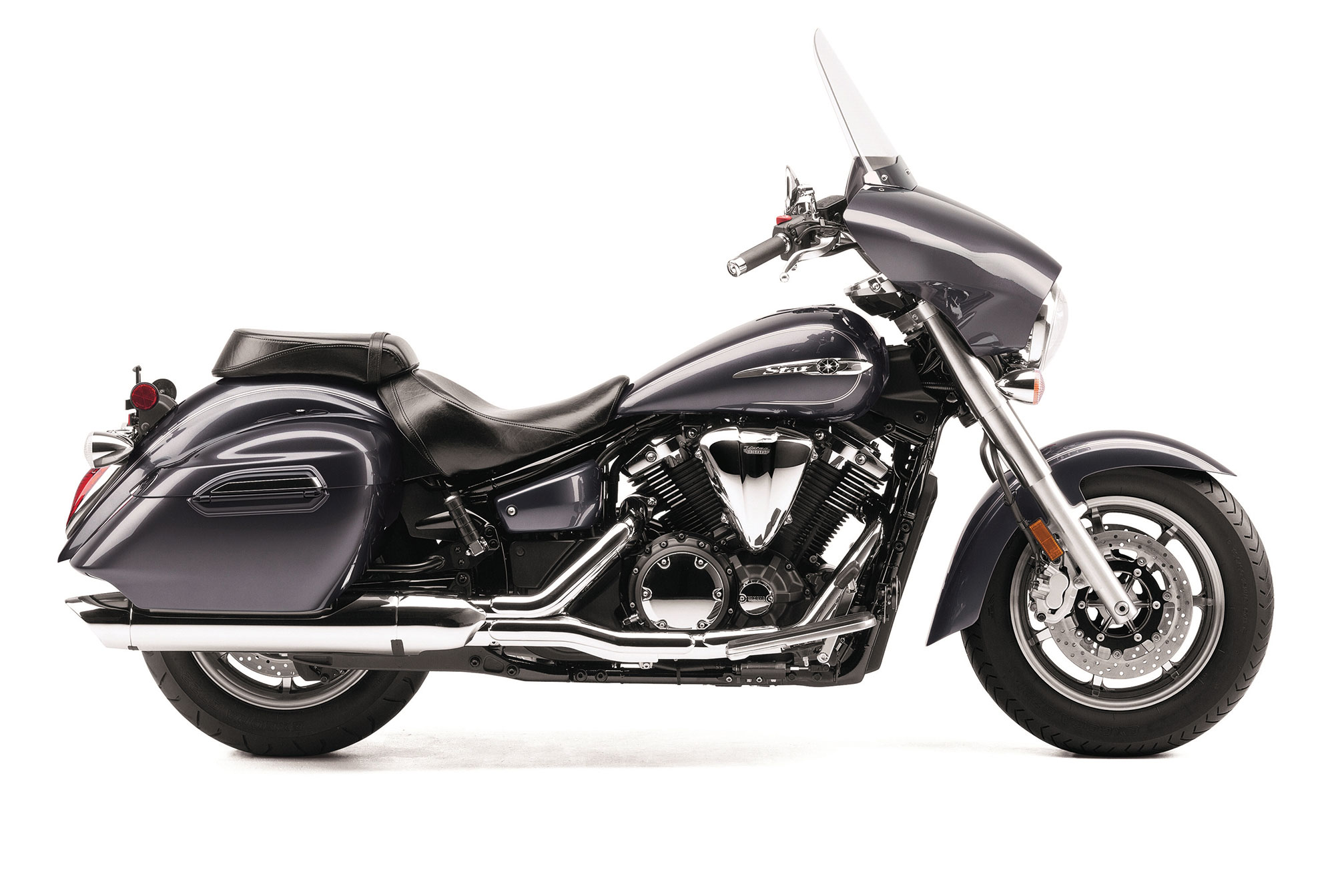 2014 yamaha v star 1300 deluxe review for Yamaha 1300 motorcycle