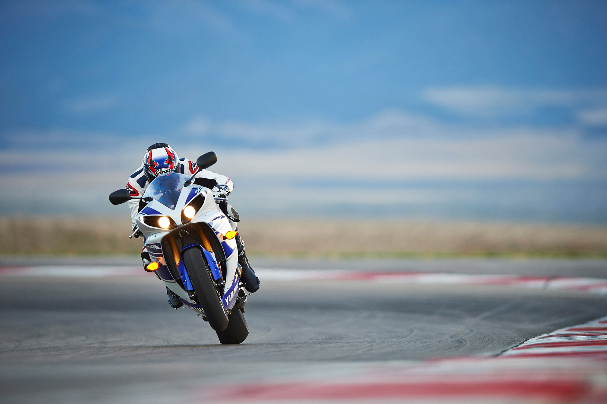 2014 Yamaha YZF-R1 Review