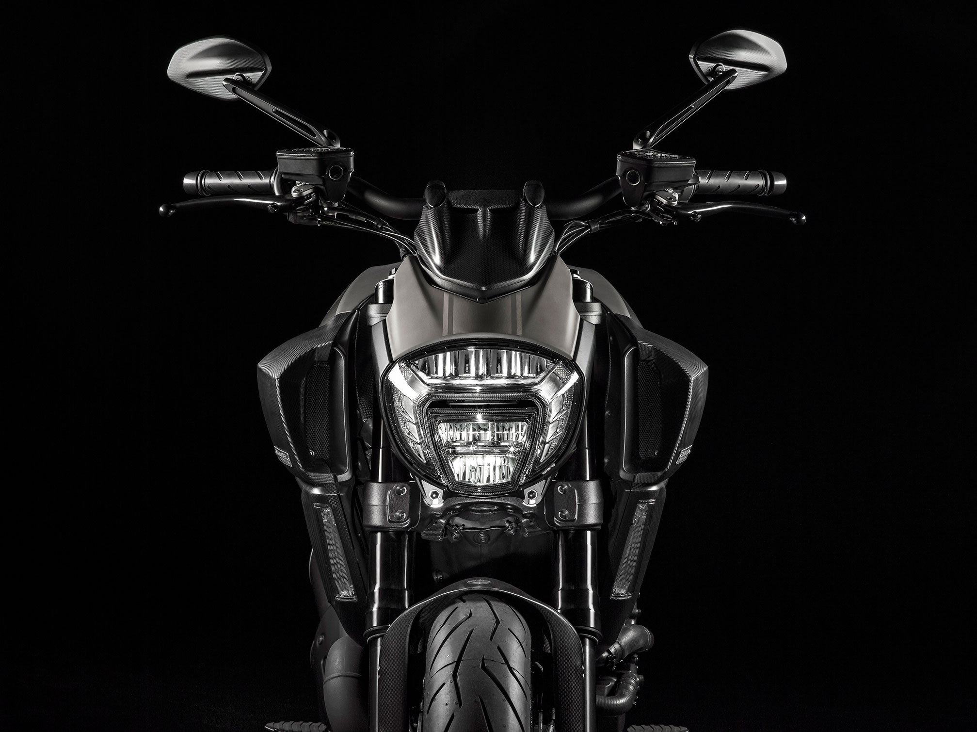 2015 ducati diavel titanium review