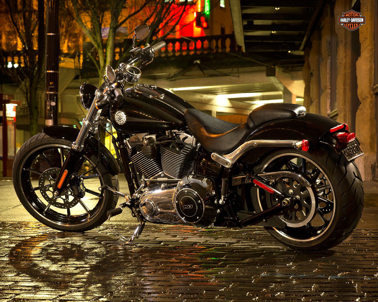 2015 harley davidson fxsb breakout review. Black Bedroom Furniture Sets. Home Design Ideas
