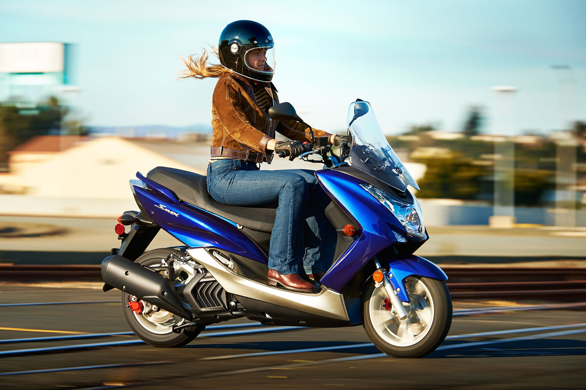 2015 yamaha smax review. Black Bedroom Furniture Sets. Home Design Ideas