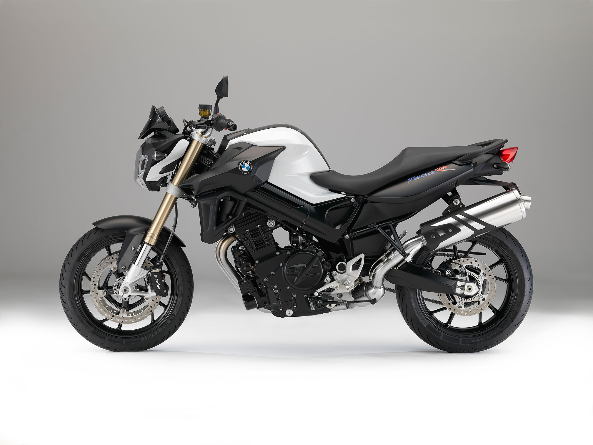 2016 bmw f800r review. Black Bedroom Furniture Sets. Home Design Ideas