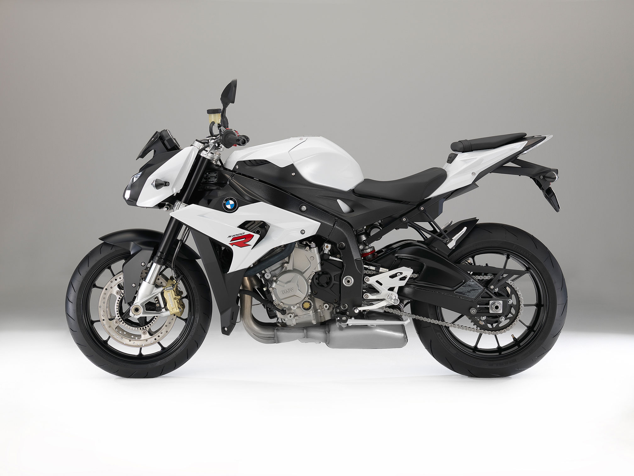 2016 bmw s1000r review. Black Bedroom Furniture Sets. Home Design Ideas