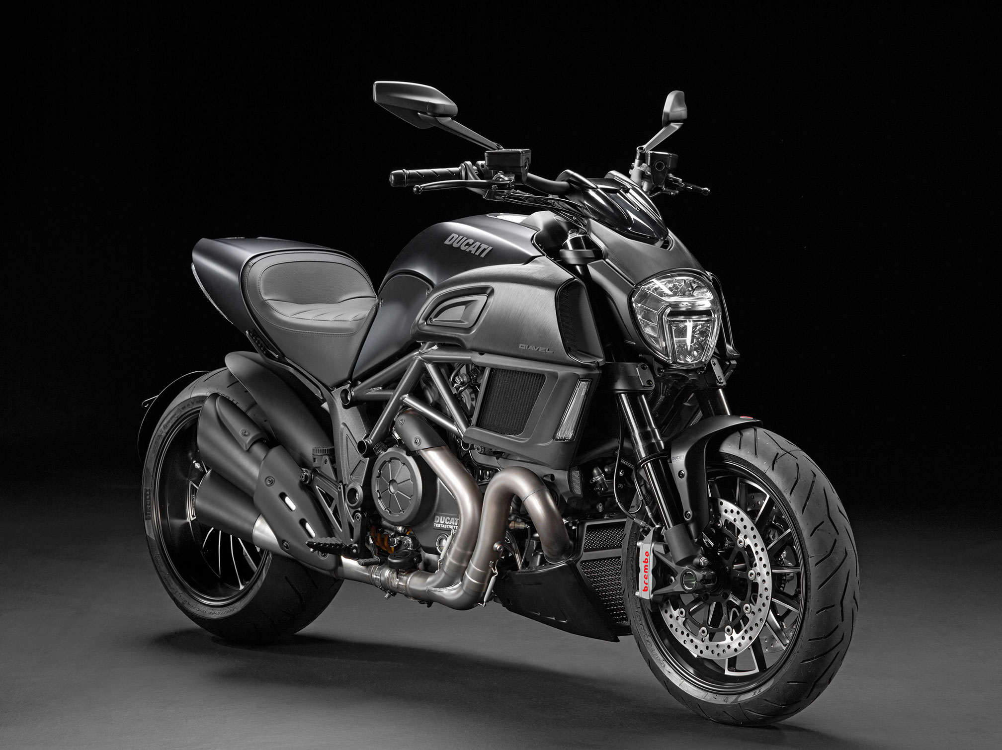 2016 ducati diavel review. Black Bedroom Furniture Sets. Home Design Ideas