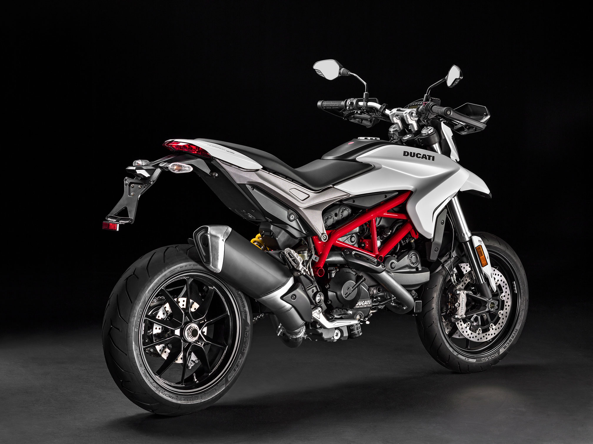 2016 ducati hypermotard 939 review. Black Bedroom Furniture Sets. Home Design Ideas
