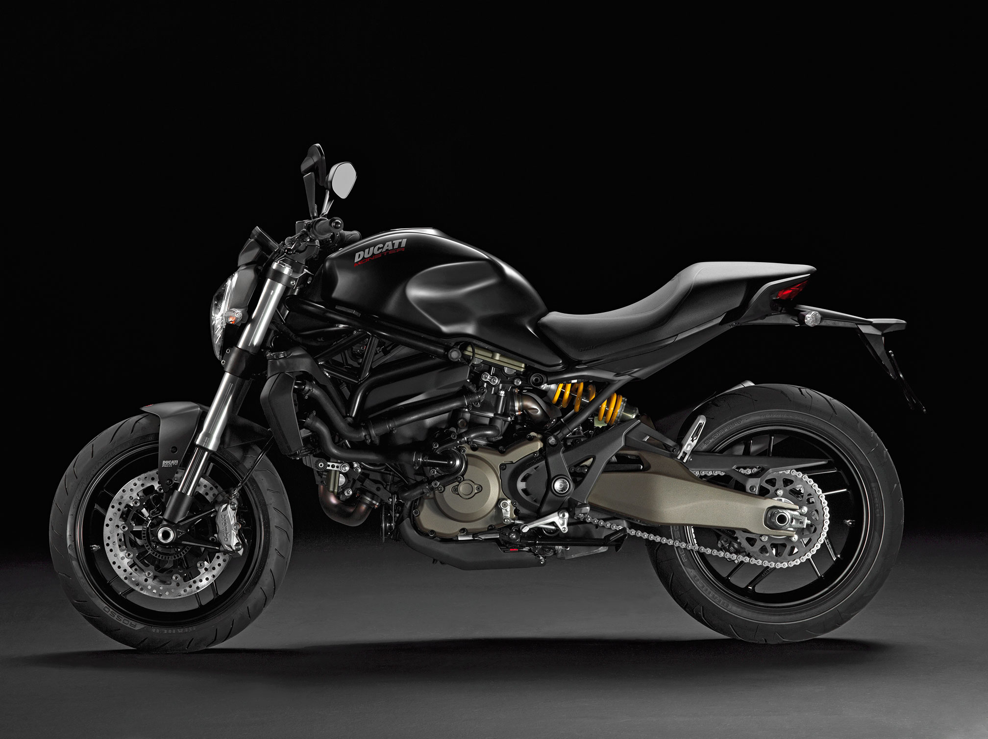 2016 ducati monster 821 dark review. Black Bedroom Furniture Sets. Home Design Ideas