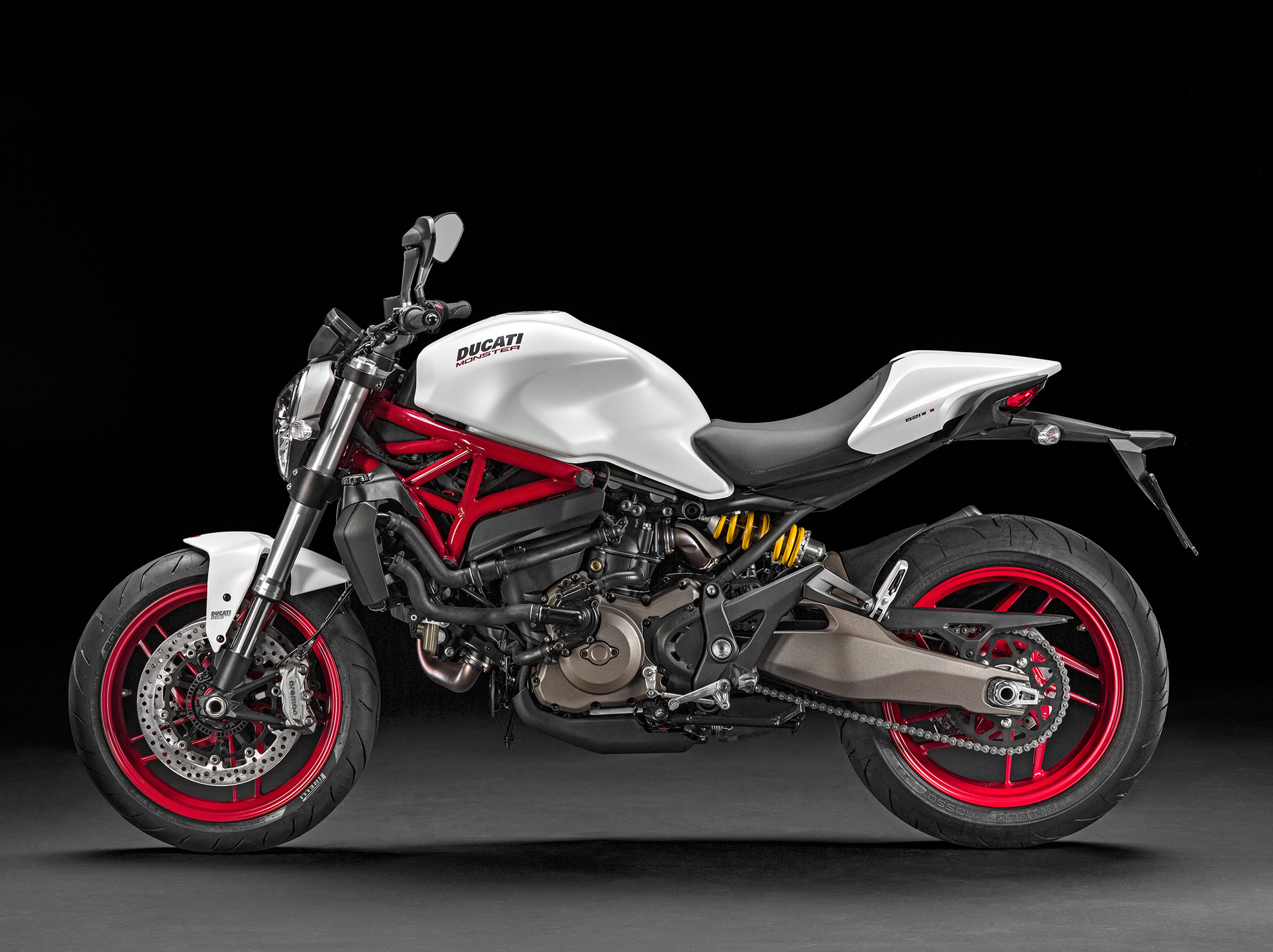 Ducati Monster 821 >> 2016 Ducati Monster 821 Review