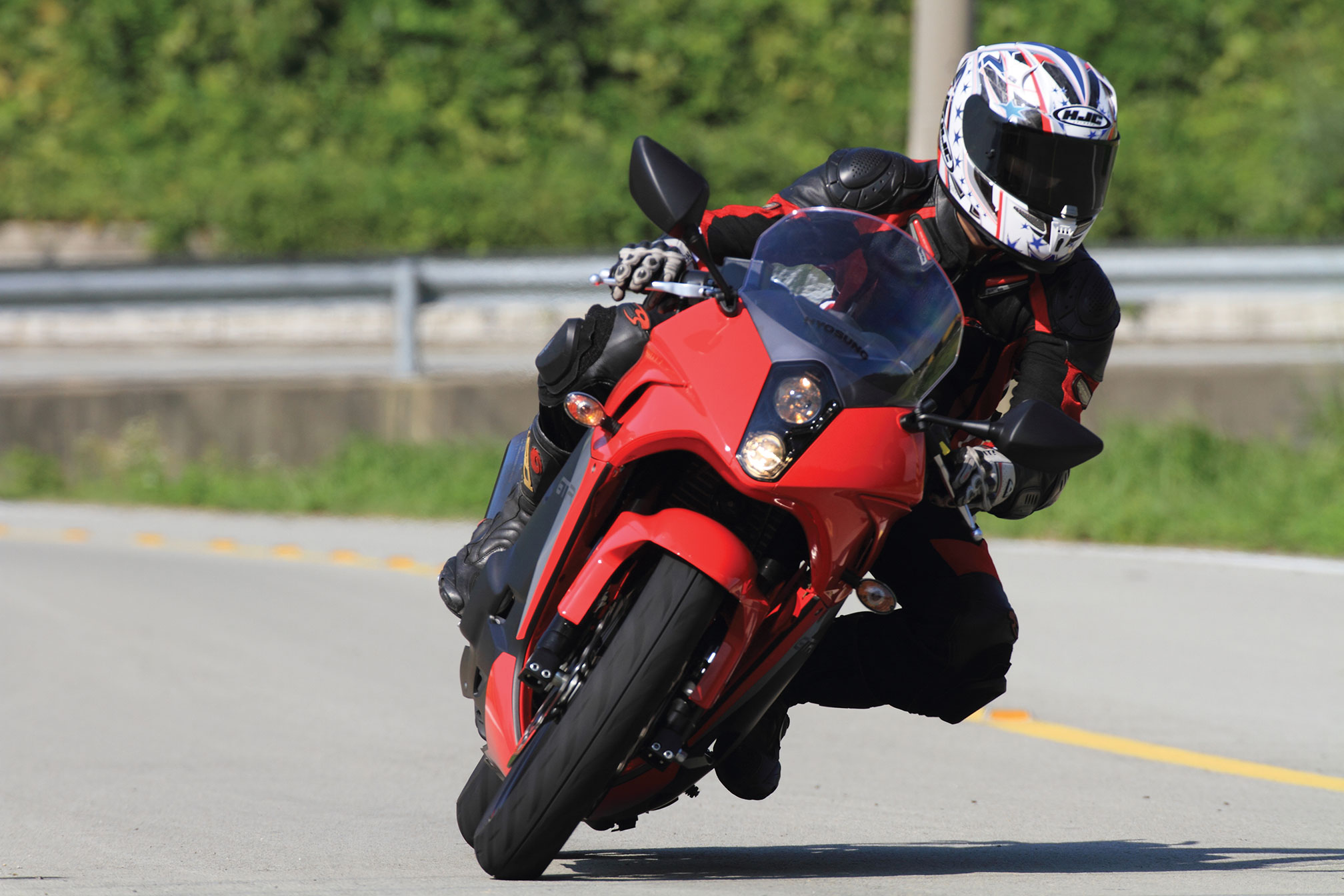 2016 Hyosung GT250R Review