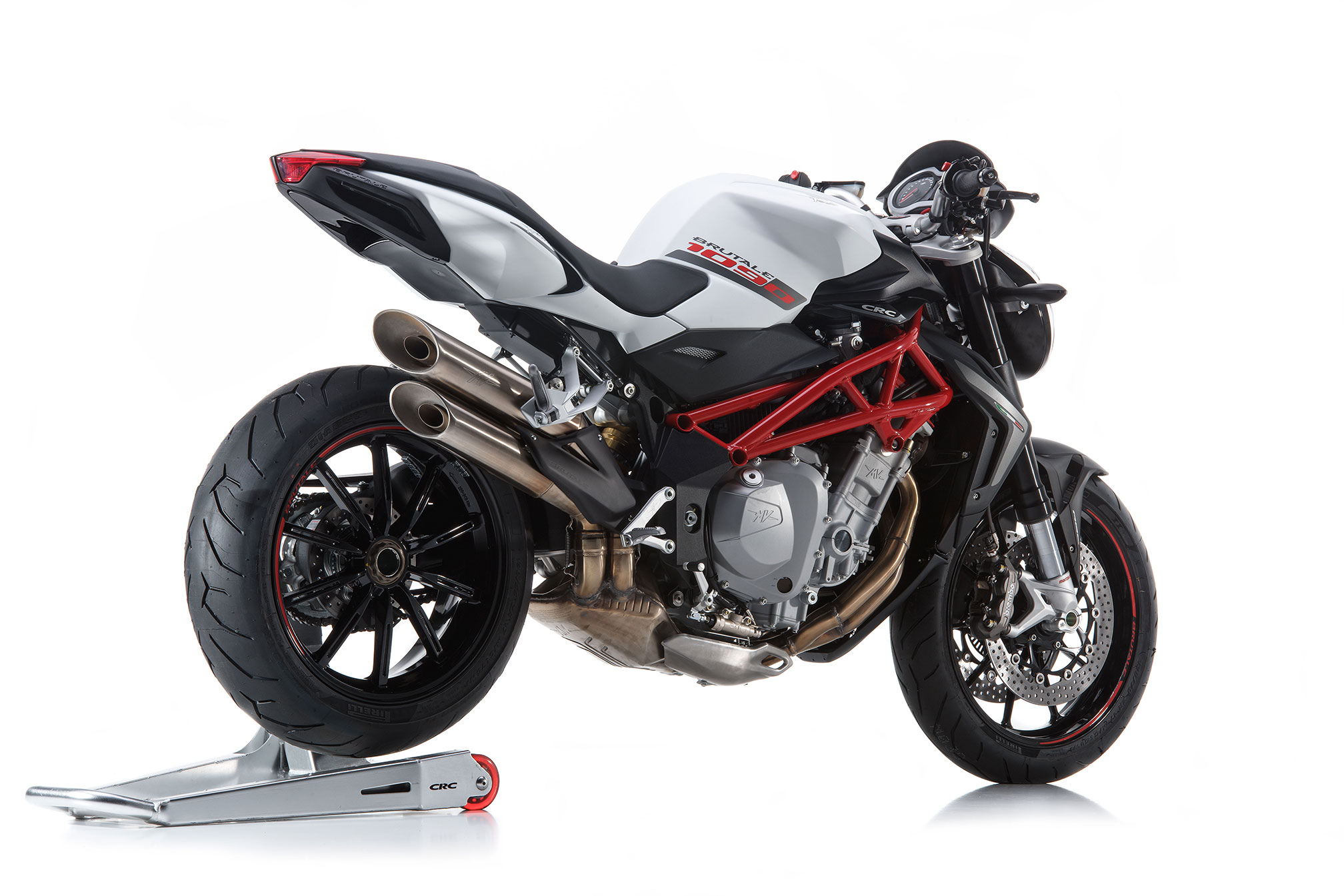 2016 mv agusta brutale 1090 review. Black Bedroom Furniture Sets. Home Design Ideas