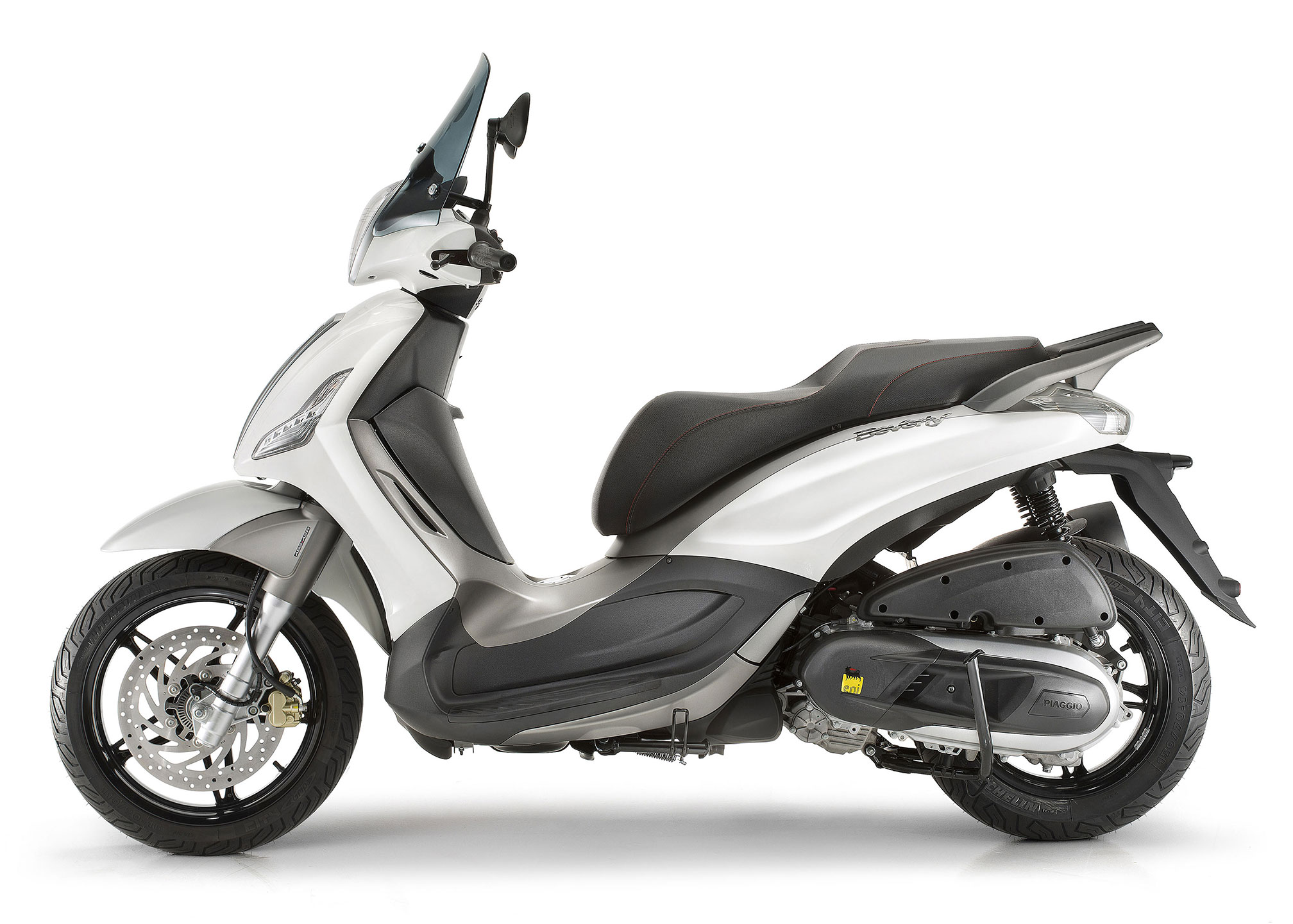 Piaggio BV350 scooter review and video - Motorbike Writer
