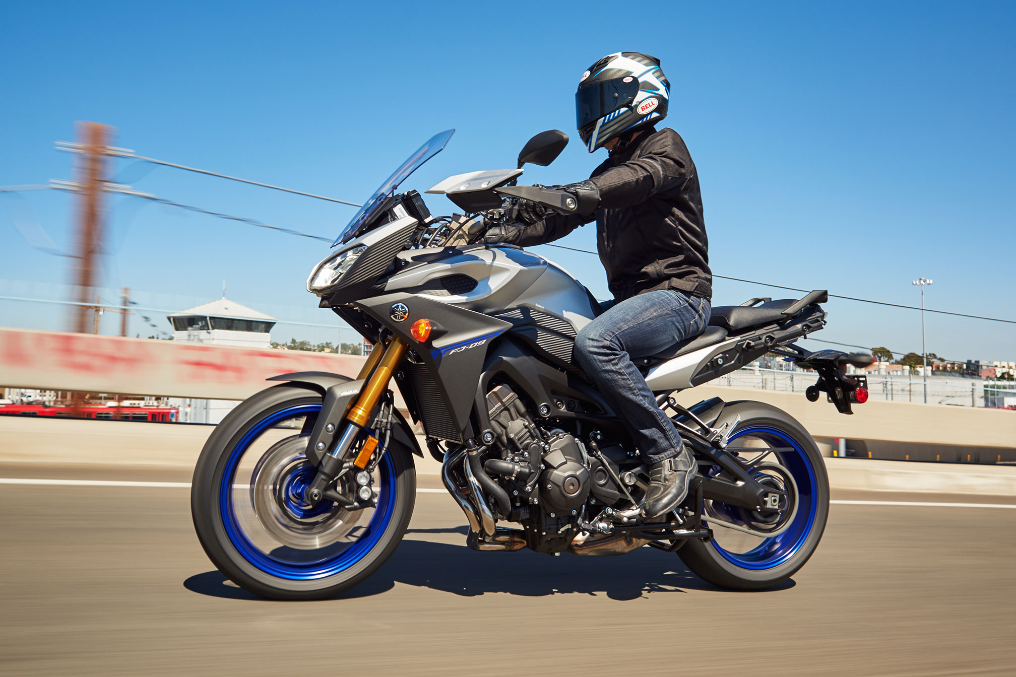 2016 Yamaha FJ-09 Review