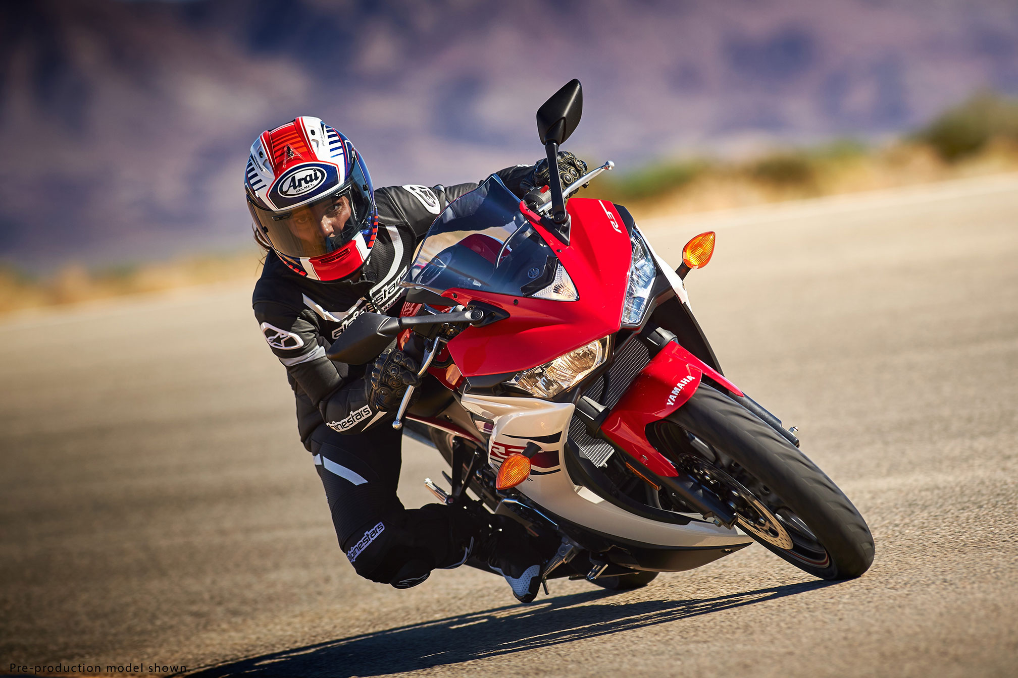 2016 yamaha yzf r3 review. Black Bedroom Furniture Sets. Home Design Ideas