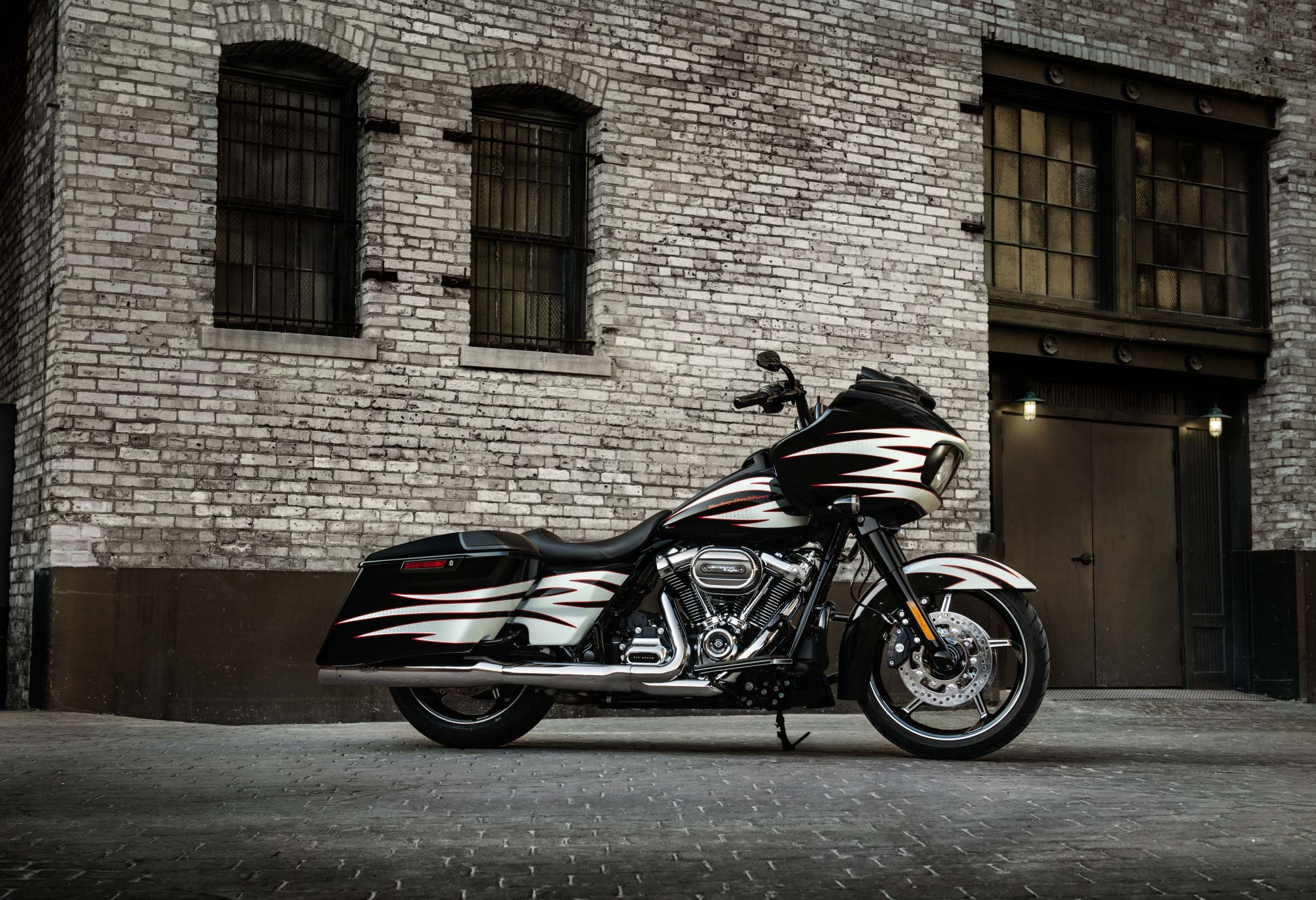 2017 harley-davidson road glide review