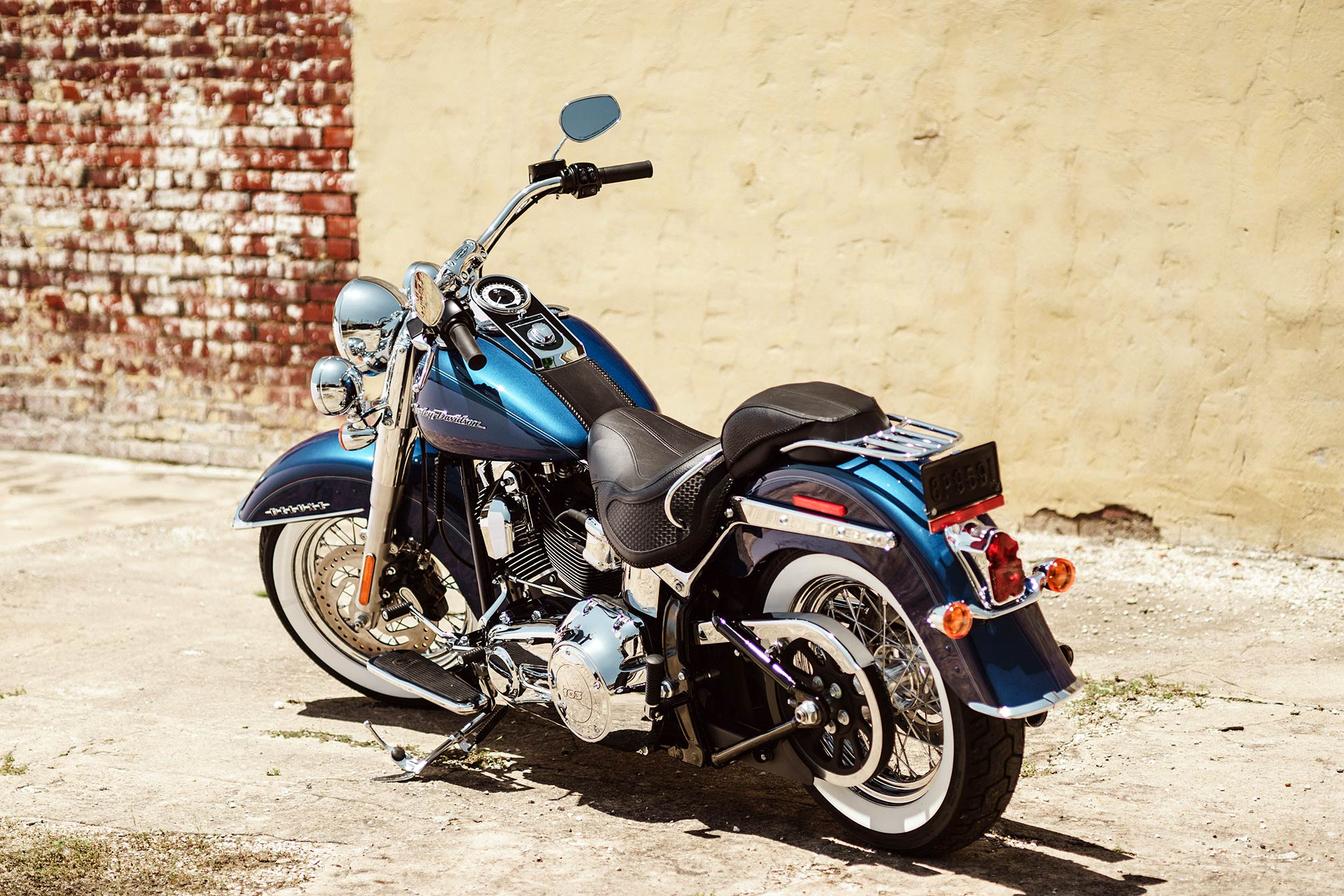 2017 harley davidson softail deluxe review. Black Bedroom Furniture Sets. Home Design Ideas