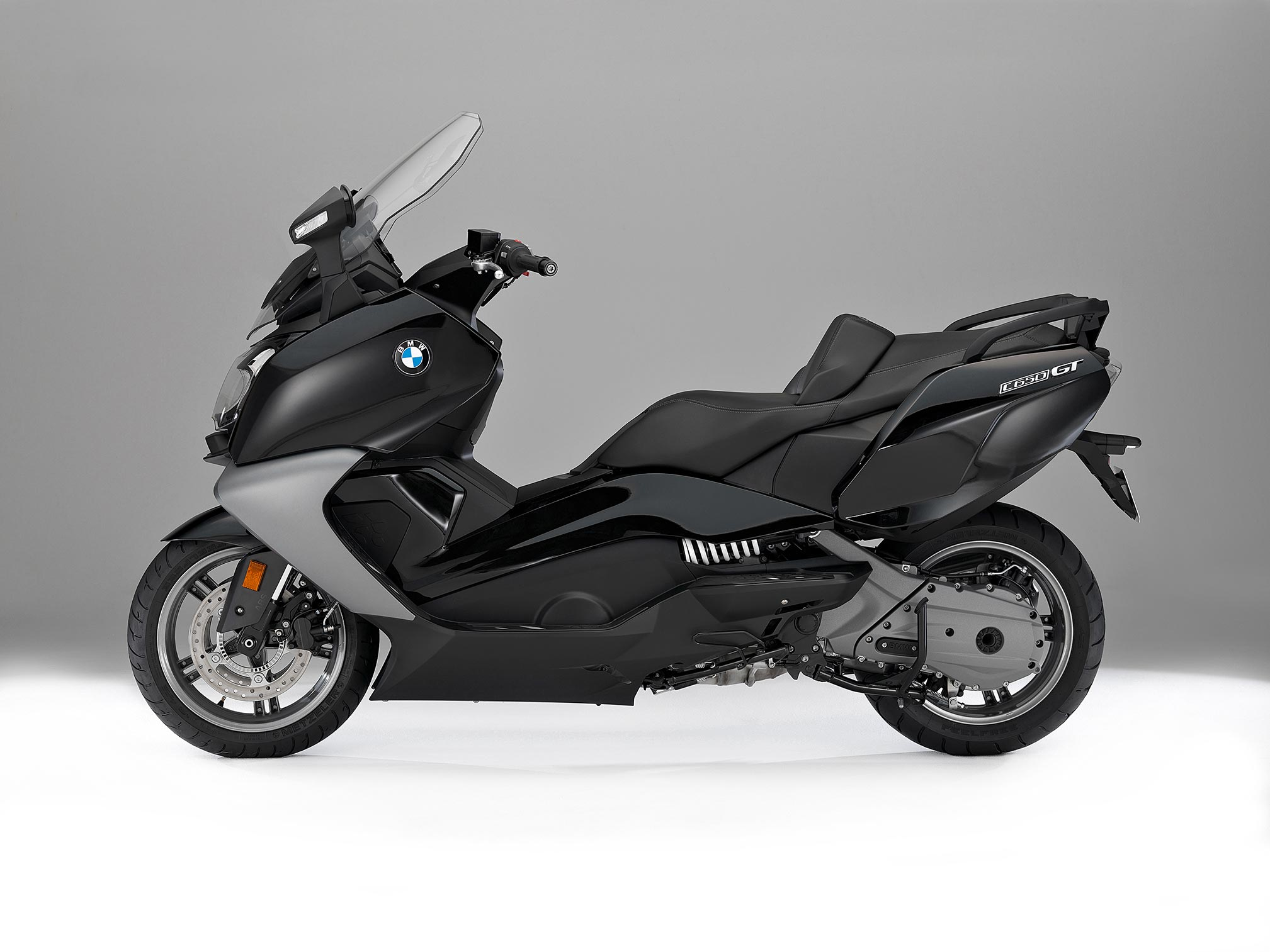 2017 bmw c650gt review. Black Bedroom Furniture Sets. Home Design Ideas