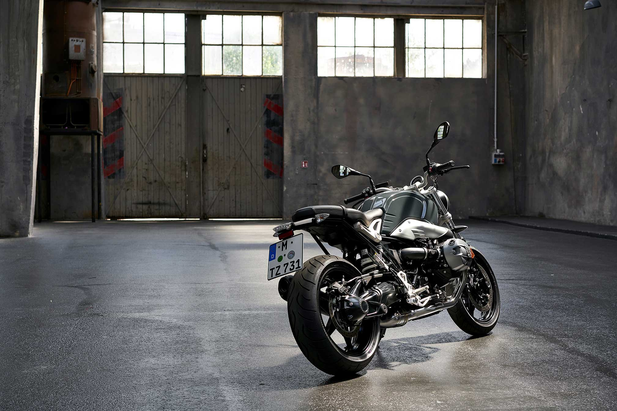2017 bmw r ninet pure review. Black Bedroom Furniture Sets. Home Design Ideas