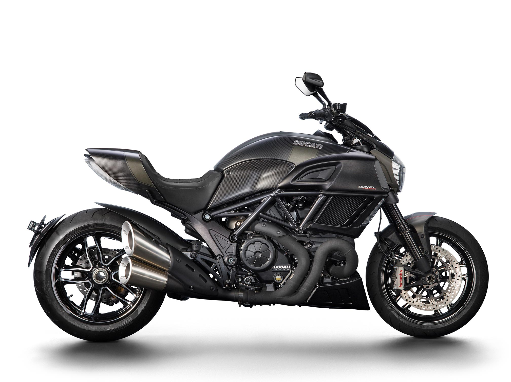2017 ducati diavel carbon review. Black Bedroom Furniture Sets. Home Design Ideas