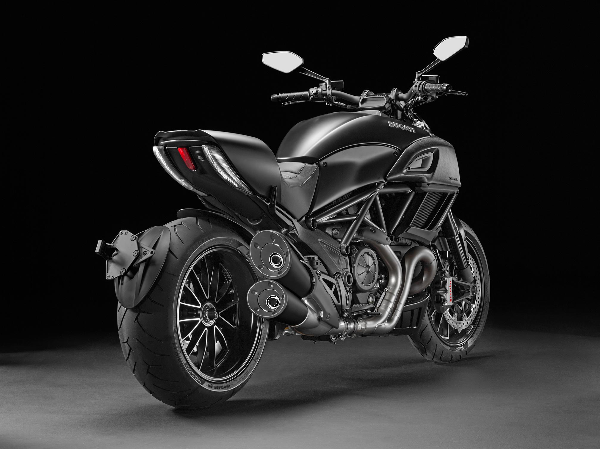 2017 ducati diavel review. Black Bedroom Furniture Sets. Home Design Ideas