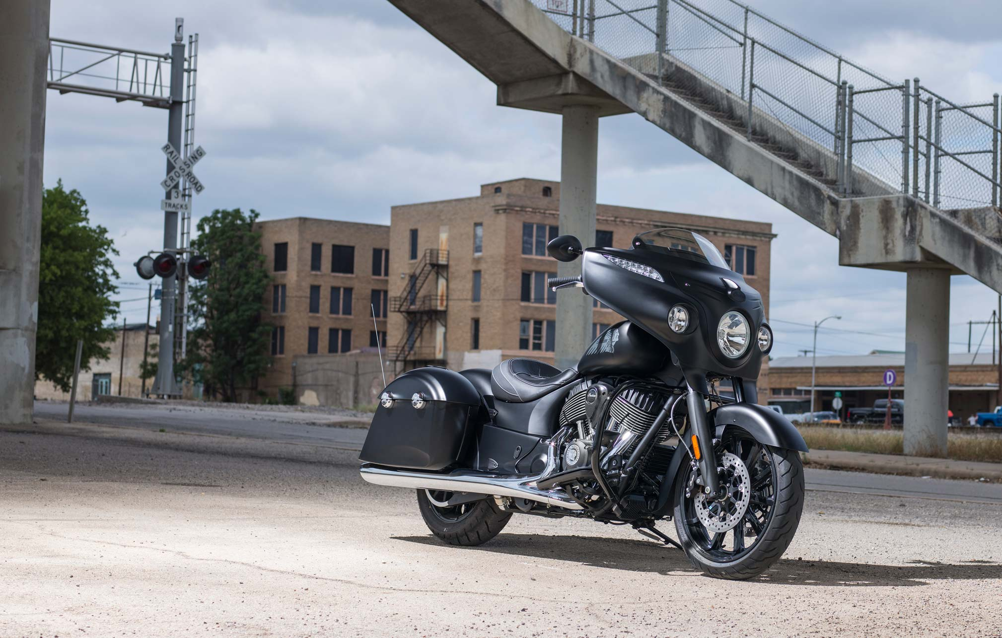 10 Indian Chieftain Dark Horse Review • Total Motorcycle